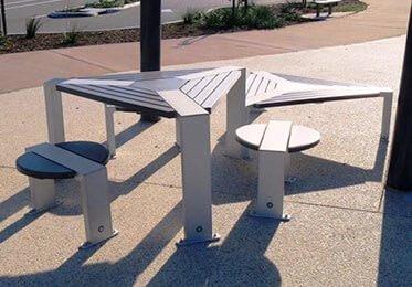 Triangular Platform/Table Settings